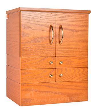 水曲柳木盒保养要注意温度,因为材质略重而硬,纹理直,花纹美丽,耐腐
